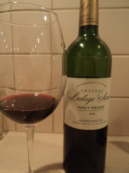 Chateau lestage simon bottle glass1