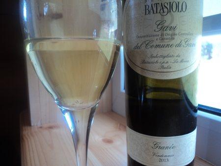 бокал белого сухого вина Гави ди Гави Батазиоло