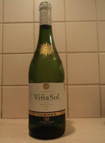 Бутылка белого вина Вина Сол Торрес