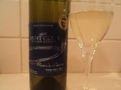 белое вино рислинг новая зеландия бутылка и бокал