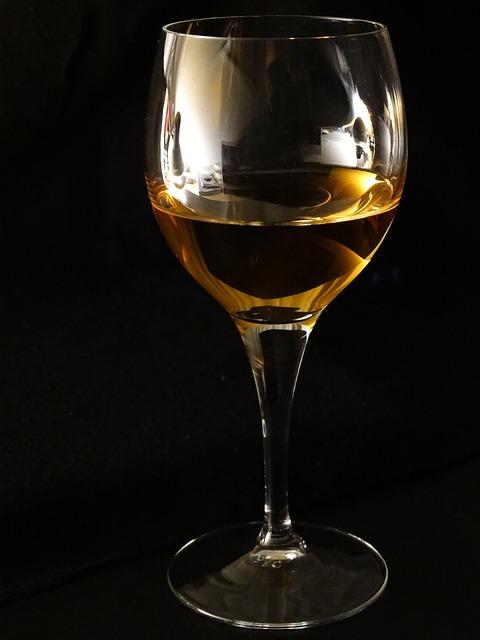 белое выдержанное вино