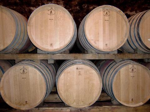выдержка вина в бочке