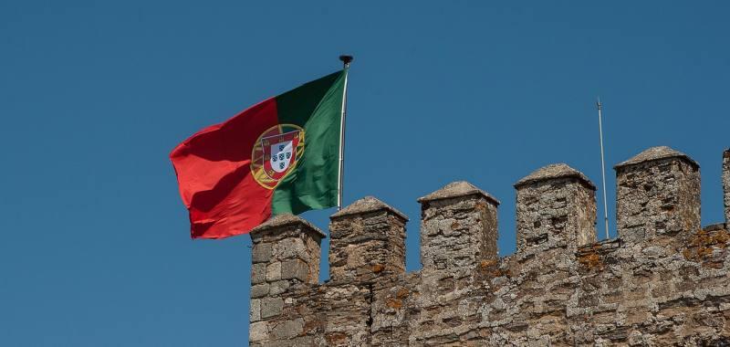 portugal-flag-min