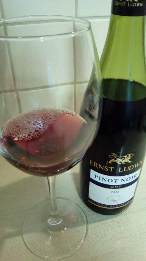 Ernst Ludwig. Pinot Noir.Glass
